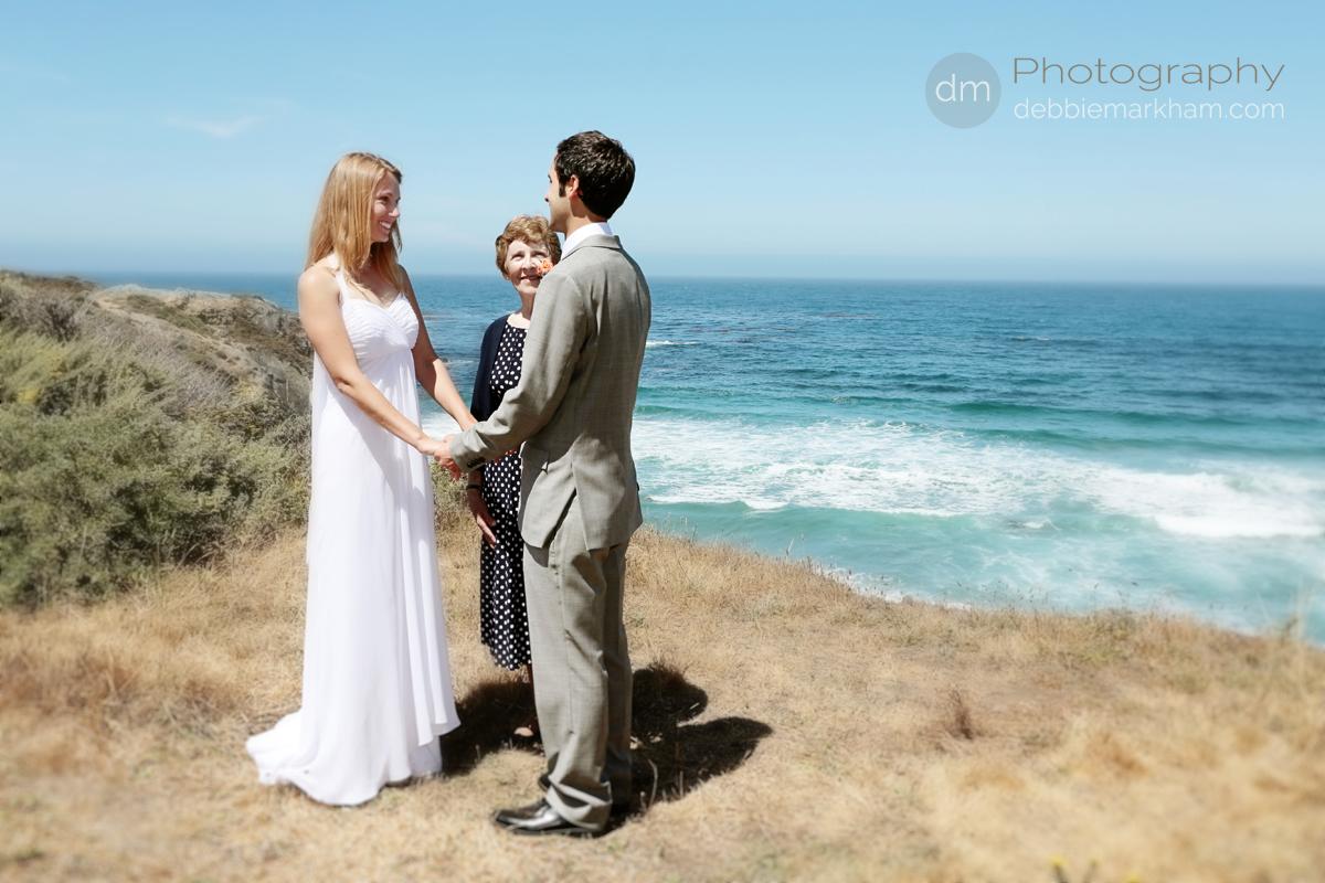 wm-Bride-Groom-Ocean-Clif-Ceremony-Debbie Markham Wedding Photography-Big Sur-Pacific Valley-Laurel-Brian-June21-2013-098