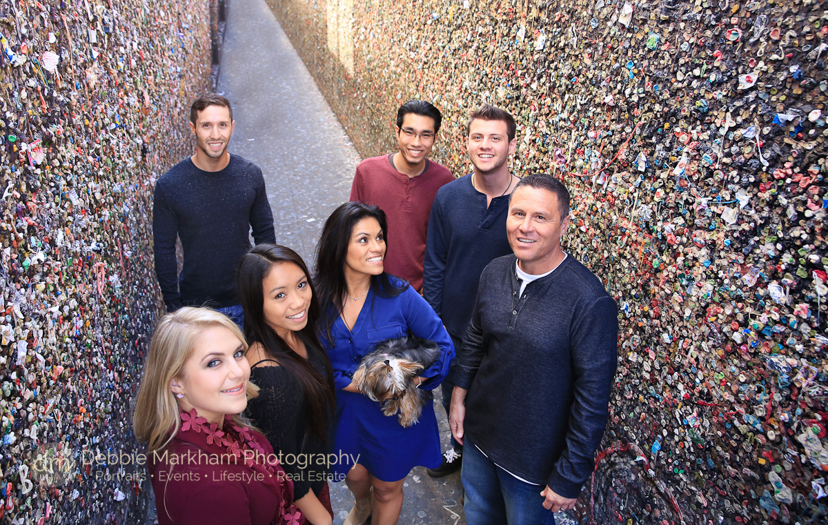 Bubblegum Alley_San Luis Obispo Photographer_Family Photos_Downtown SLO_Family of 6_With a dog_Urban Family Photo