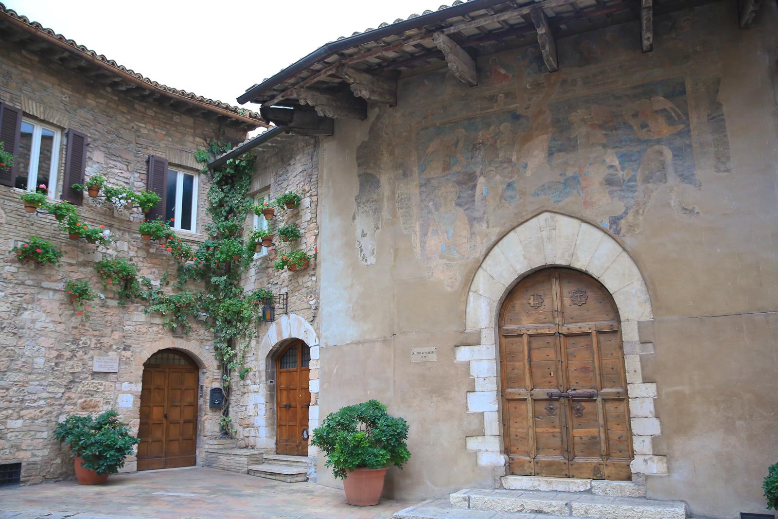 Assisi fb-2076