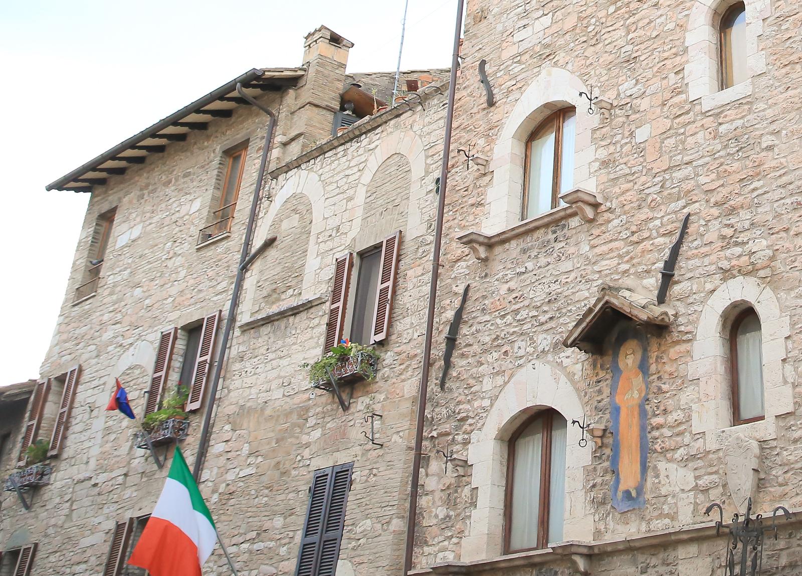 Assisi fb-2078