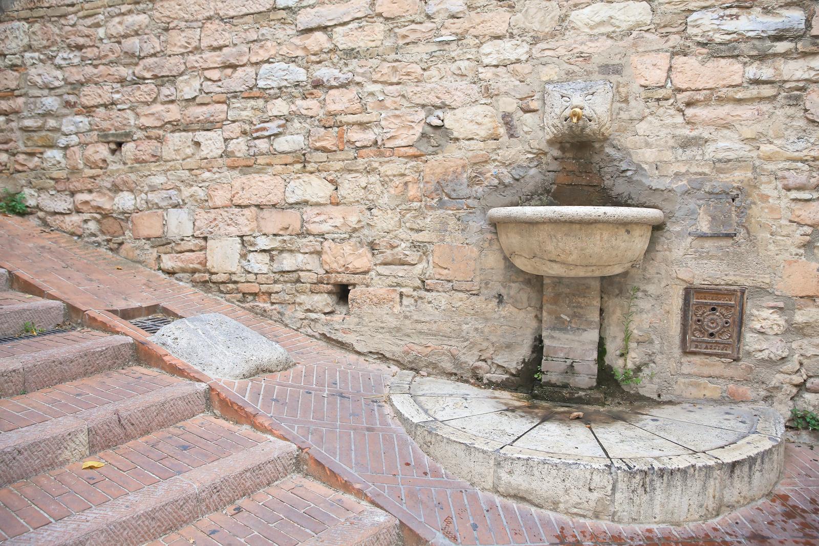Assisi fb-2104