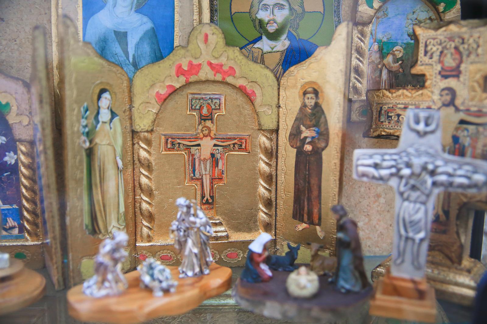 Assisi fb-2114