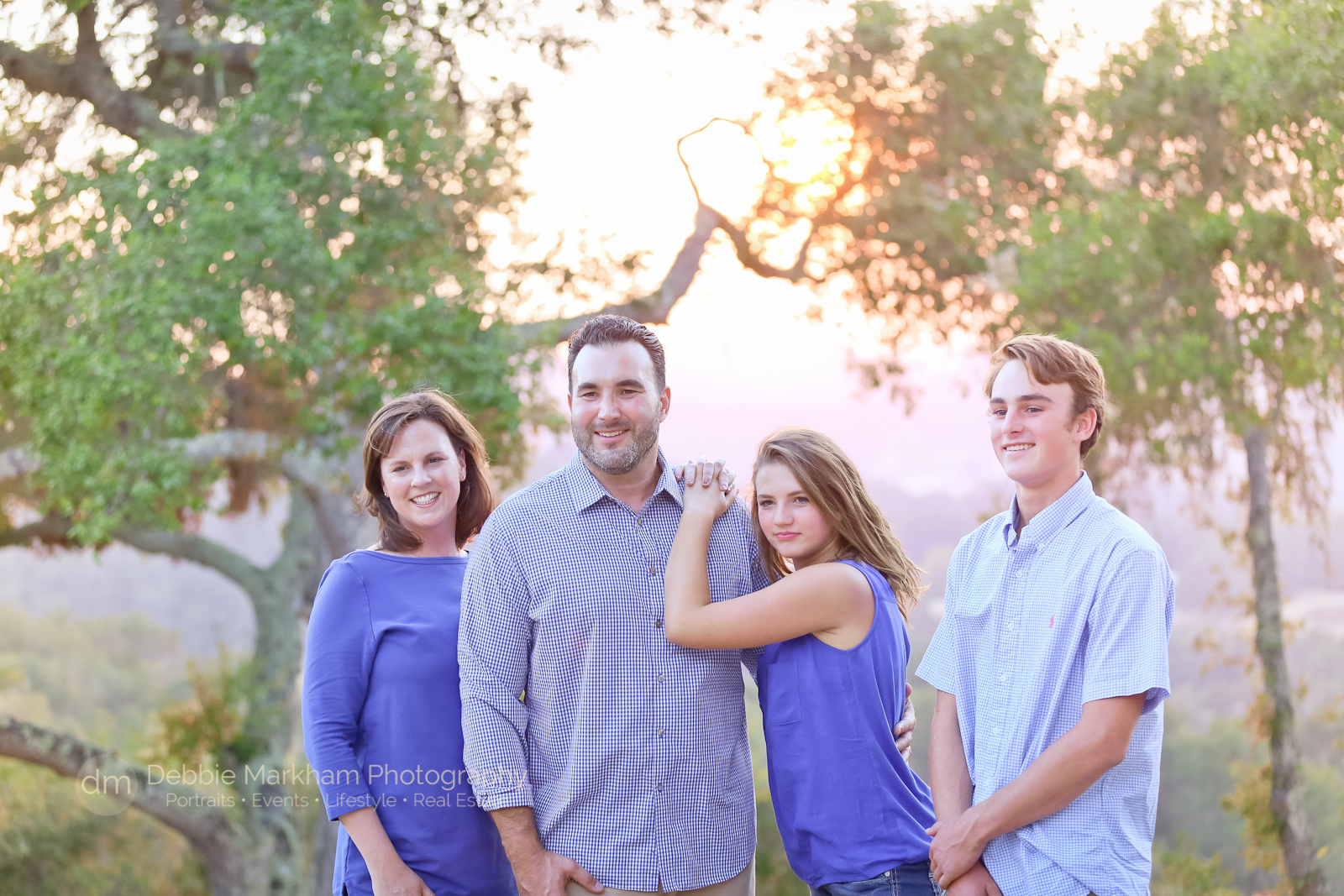 family-photos_templeton_photographer_fun-family_holiday-card-7743