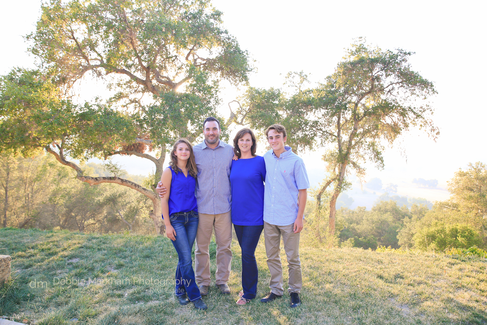 family-portrait_family-photographer_california_san-luis-obispo_cambria_photographer_templeton_holiday-card_fun-family_photos_photographer_debbie-markham-1264