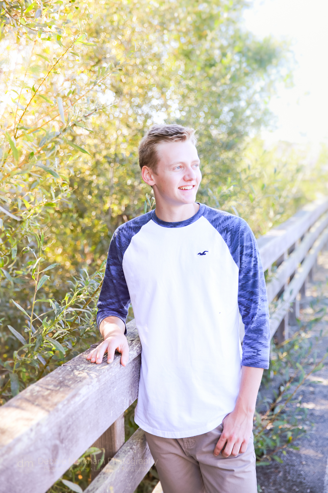 high-school_senior-portrait_boy-pose_outdoor_photos_male-senior-portrait_cambria-photographer_debbie-markham-5570