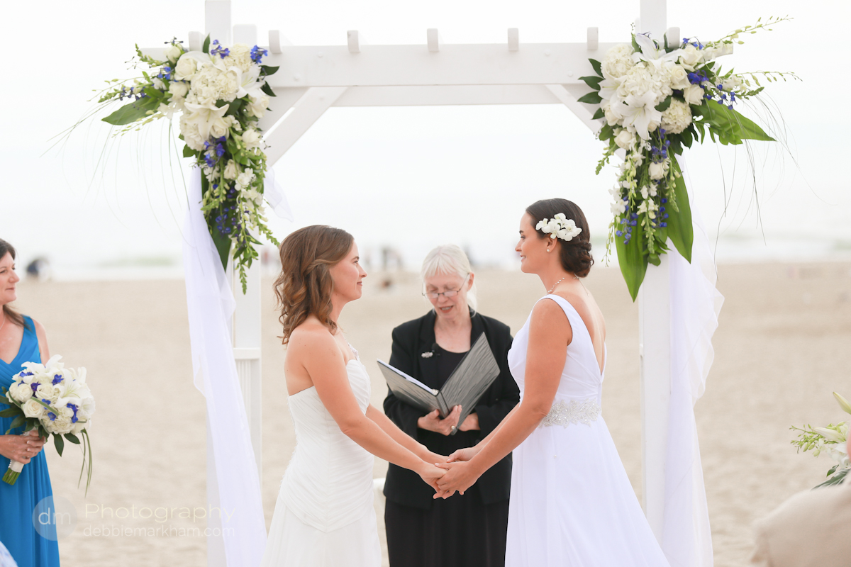pismo-beach-wedding-photographer_sea-venture-inn_lgbt-wedding-photographer_gay-friendly-photographer_destination-wedding_california_lesbian-wedding-4